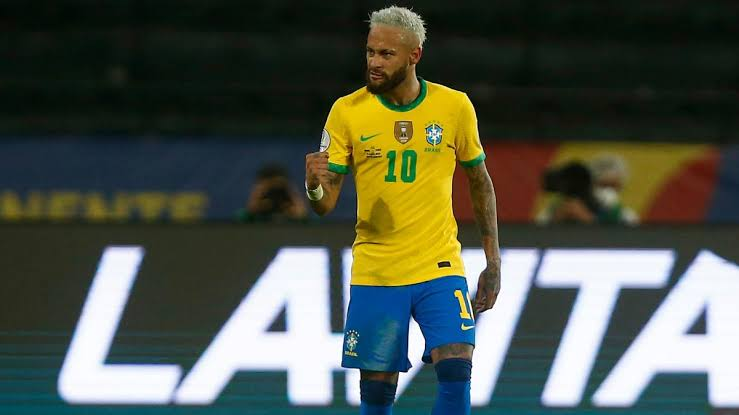Neymar closes in on Pele's record