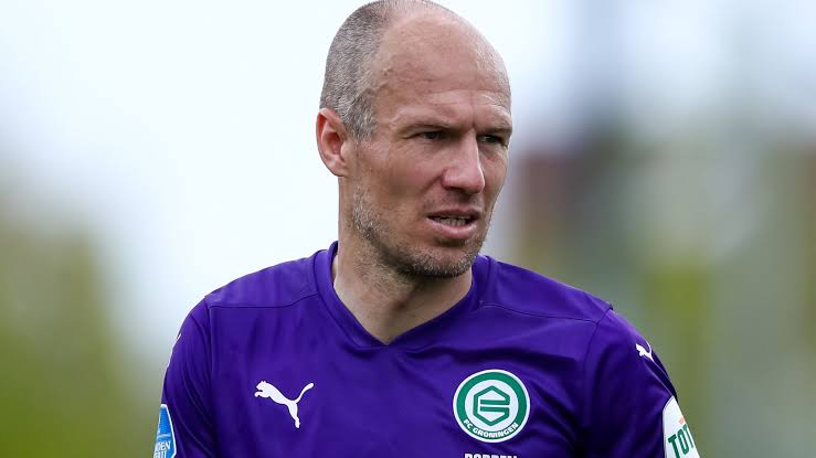 Arjen Robben retires from professional football